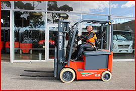 Electric forklift-1